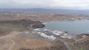 Εναέρια άποψη από το ύψος της ακτής Tenerife, Κανάρια νησιά, Ισπανία Κηφήνας που πυροβολείται σε 4K απόθεμα βίντεο