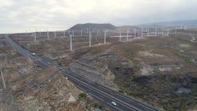 Εναέρια άποψη από το ύψος του ανεμόμυλου Tenerife, Κανάρια νησιά, Ισπανία Κηφήνας που πυροβολείται σε 4K φιλμ μικρού μήκους