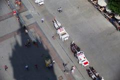 Εναέρια άποψη από το ST Mary& x27 πύργος βασιλικών του s στις μεταφορές και τους τουρίστες αλόγων στοκ εικόνα με δικαίωμα ελεύθερης χρήσης