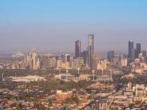 Εναέρια άποψη επάνω από τον ορίζοντα πόλεων της Μελβούρνης στοκ εικόνα με δικαίωμα ελεύθερης χρήσης