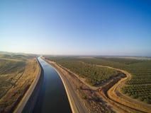 Εναέρια άποψη επάνω από το υδραγωγείο Καλιφόρνιας Στοκ φωτογραφίες με δικαίωμα ελεύθερης χρήσης