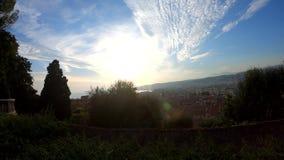 Εναέρια άποψη ηλιοβασιλέματος του κόλπου του διάσημου αγγέλου από το Hill του Castle, Νίκαια απόθεμα βίντεο
