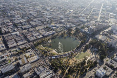 Εναέρια άποψη θερινού Smoggy του Λος Άντζελες πάρκων MacArthur Στοκ φωτογραφία με δικαίωμα ελεύθερης χρήσης