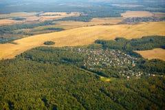 Εναέρια άποψη καλλιεργήσιμου εδάφους στο φθινόπωρο Στοκ Φωτογραφίες