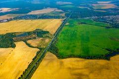 Εναέρια άποψη καλλιεργήσιμου εδάφους στο φθινόπωρο Στοκ Εικόνες