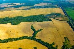 Εναέρια άποψη καλλιεργήσιμου εδάφους στο φθινόπωρο Στοκ φωτογραφία με δικαίωμα ελεύθερης χρήσης