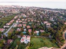 Εναέρια άποψη κηφήνων της παραλίας της Ιστανμπούλ Tuzla στη χρυσή ώρα/την μπλε ώρα Στοκ Φωτογραφία