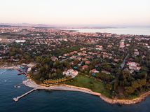 Εναέρια άποψη κηφήνων της παραλίας της Ιστανμπούλ Tuzla στη χρυσή ώρα/την μπλε ώρα Στοκ Εικόνα