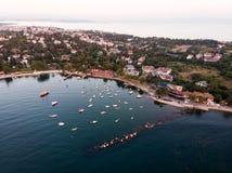 Εναέρια άποψη κηφήνων της παραλίας της Ιστανμπούλ Tuzla στη χρυσή ώρα/την μπλε ώρα Στοκ Εικόνες