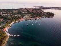 Εναέρια άποψη κηφήνων της παραλίας της Ιστανμπούλ Tuzla στη χρυσή ώρα/την μπλε ώρα Στοκ φωτογραφίες με δικαίωμα ελεύθερης χρήσης