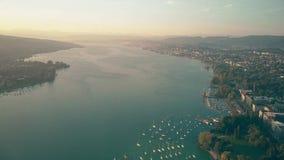Εναέρια άποψη μεγάλου υψομέτρου της λίμνης της Ζυρίχης, Ελβετία στοκ εικόνες