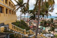 Εναέρια άποψη με τους φοίνικες από το παλαιό φρούριο του baracoa Κούβα στοκ φωτογραφία