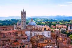 Εναέρια άποψη με το Di Σιένα Duomo Στοκ Φωτογραφίες