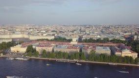 Εναέρια άποψη ναυαρχείου στην Άγιος-Πετρούπολη απόθεμα βίντεο