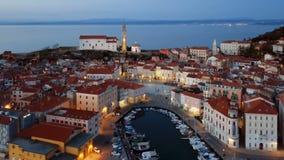 Εναέρια άποψη νύχτας Piran, Σλοβενία απόθεμα βίντεο
