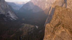Εναέρια άποψη πάρκων Yosemite εθνική άνωθεν απόθεμα βίντεο