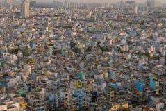 Εναέρια άποψη πόλεων Χο Τσι Μινχ κατά τη διάρκεια της ημέρας με το κατοικημένο hou στοκ φωτογραφίες