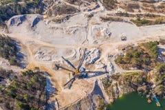 Εναέρια άποψη στο ανοικτό ορυχείο στοκ εικόνες με δικαίωμα ελεύθερης χρήσης