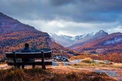 Εναέρια άποψη σχετικά με τη λίμνη Sils φθινοπώρου στις ελβετικές Άλπεις στοκ φωτογραφίες με δικαίωμα ελεύθερης χρήσης
