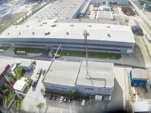 Εναέρια άποψη σχετικά με τις εγκαταστάσεις JSC Tyumenstalmost Ρωσία Στοκ Φωτογραφία