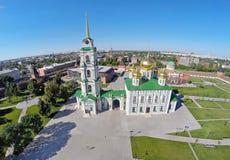 Εναέρια άποψη σχετικά με τον καθεδρικό ναό υπόθεσης που βρίσκεται στη Τούλα Κρεμλίνο Στοκ εικόνα με δικαίωμα ελεύθερης χρήσης