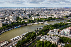 Εναέρια άποψη σχετικά με τον ποταμό Σηκουάνας από τον πύργο του Άιφελ, Παρίσι Στοκ Φωτογραφία