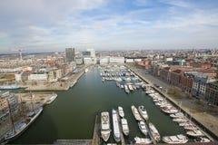 Εναέρια άποψη σχετικά με το λιμάνι γιοτ στις αποβάθρες Bonaparte, Αμβέρσα Στοκ Εικόνες