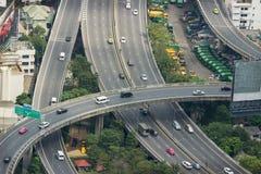 Εναέρια άποψη σχετικά με overpass εθνικών οδών στη Μπανγκόκ, Ταϊλάνδη Στοκ φωτογραφία με δικαίωμα ελεύθερης χρήσης