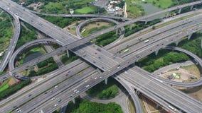 Εναέρια άποψη της ανταλλαγής εθνικών οδών - μήκος σε πόδηα έννοιας μεταφορών απόθεμα βίντεο