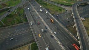 Εναέρια άποψη της ανταλλαγής εθνικών οδών στην πόλη της Μόσχας απόθεμα βίντεο