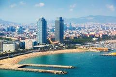 Εναέρια άποψη της Βαρκελώνης από τη Μεσόγειο Στοκ εικόνες με δικαίωμα ελεύθερης χρήσης