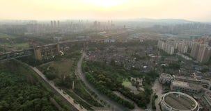 Εναέρια άποψη της γέφυρας ποταμών του Ναντζίνγκ Yangtze απόθεμα βίντεο