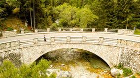 Εναέρια άποψη της γέφυρας στον ποταμό Soca στοκ φωτογραφίες με δικαίωμα ελεύθερης χρήσης