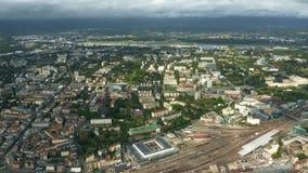 Εναέρια άποψη της εικονικής παράστασης πόλης της Γενεύης και distand του αερολιμένα, Ελβετία απόθεμα βίντεο