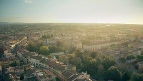Εναέρια άποψη της εικονικής παράστασης πόλης της Πίζας το βράδυ, Ιταλία απόθεμα βίντεο