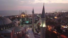 Εναέρια άποψη της Ιστανμπούλ, Τουρκία Hagia Sophia και μπλε μουσουλμανικό τέμενος στην πλατεία Sultanahmet απόθεμα βίντεο