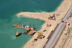 Εναέρια άποψη της κατασκευής στο τεχνητό νησί στοκ εικόνα