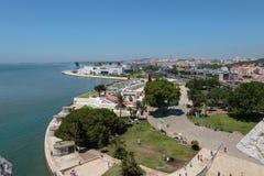 Εναέρια άποψη της Λισσαβώνας από τον πύργο του Βηθλεέμ στον ποταμό Tagus, Portu Στοκ Φωτογραφία