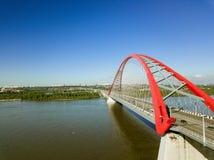 Εναέρια άποψη της μεγαλύτερης τοποθετημένης στη σειρά γέφυρας ευρύς-αψίδων Στοκ εικόνες με δικαίωμα ελεύθερης χρήσης