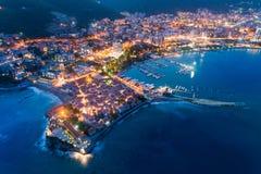 Εναέρια άποψη της παλαιάς πόλης Budva τη νύχτα στοκ εικόνες με δικαίωμα ελεύθερης χρήσης