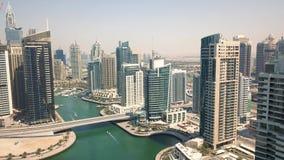 Εναέρια άποψη της περιοχής μαρινών του Ντουμπάι φιλμ μικρού μήκους