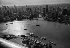 Εναέρια άποψη της περιοχής φραγμάτων της Σαγκάη και του ποταμού Huangpu Στοκ Φωτογραφία