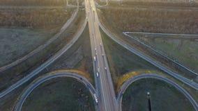 Εναέρια άποψη της πολυάσχολης εθνικής οδού απόθεμα βίντεο