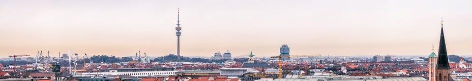 Εναέρια άποψη της πόλης του Μόναχου, Γερμανία - όλα τα λογότυπα και τα εμπορικά σήματα αφαιρούμενα Στοκ φωτογραφίες με δικαίωμα ελεύθερης χρήσης