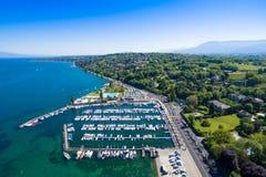 Εναέρια άποψη της πόλης της Γενεύης λιμνών Leman στην Ελβετία Στοκ Φωτογραφία