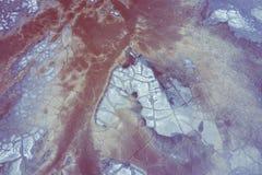 Εναέρια άποψη της υπερρεαλιστικής βιομηχανικής θέσης Ξηρά επιφάνεια Τοπίο Desertic Ανθρώπινος αντίκτυπος στο περιβάλλον E στοκ φωτογραφίες