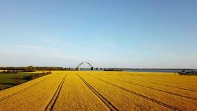 Εναέρια άποψη τομέων γεφυρών και συναπόσπορων Fehmarn απόθεμα βίντεο
