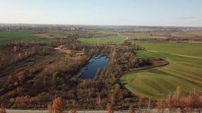 Εναέρια άποψη τοπίων φθινοπώρου φιλμ μικρού μήκους