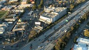 Εναέρια άποψη του αυτοκινητόδρομου/της εθνικής οδού/των προαστίων του Λος Άντζελες - συνδετήρας 6 απόθεμα βίντεο