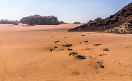 Εναέρια άποψη του ελατηρίου του Lawrence στην ιορδανική έρημο κοντά στο ρούμι Wadi Στοκ Εικόνες